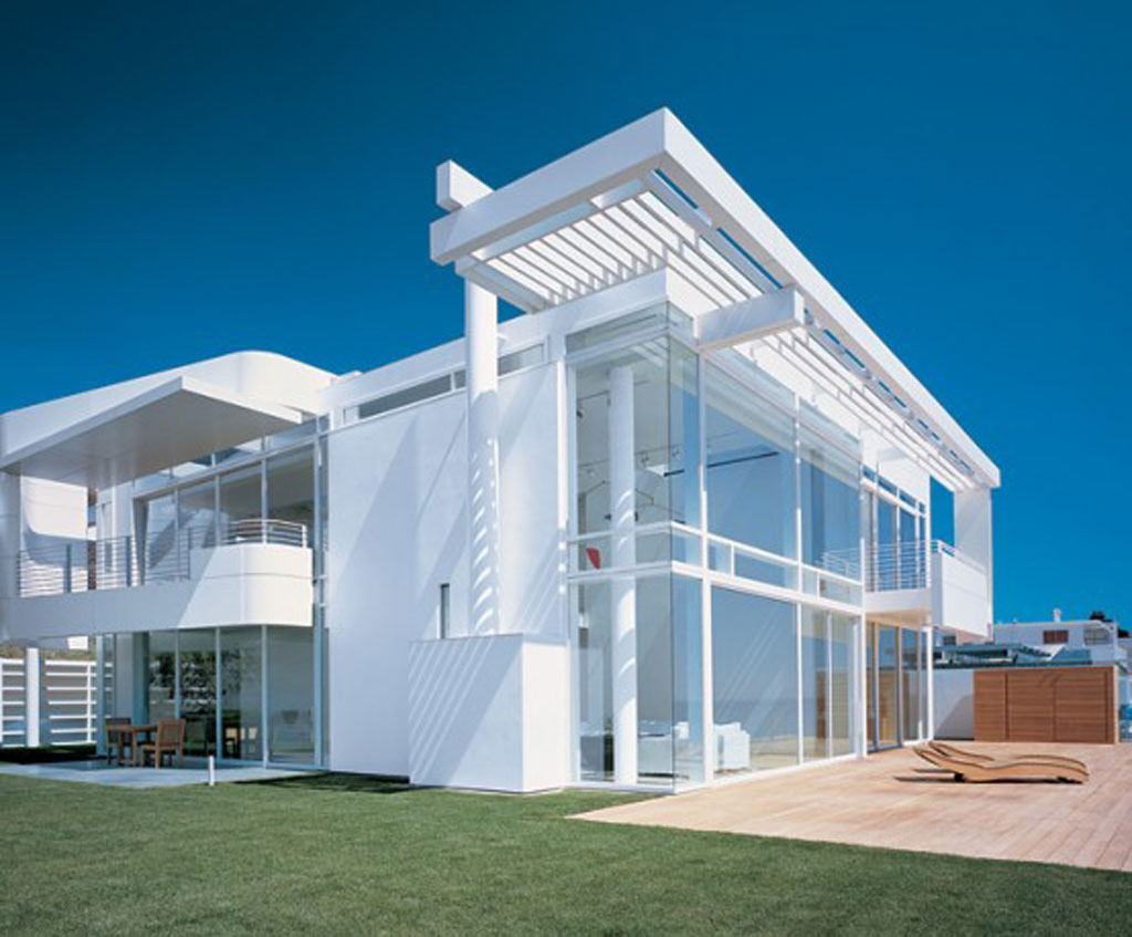 Modern beach house california white interior decor by richard meier